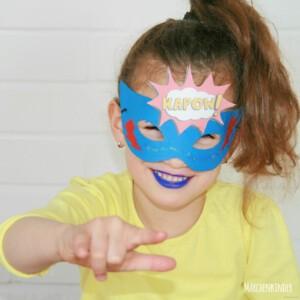 Kleine Superheldinnen auf einem Kindergeburtstag mit Märchenkinder IMG_2201-1.1